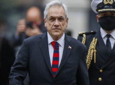 Presidente Sebastián Piñera ingresando a La Moneda